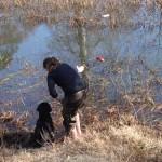 Elin och Tora kör vattenträning.